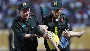 Cậu bé bị ngất trong trận Nam Định đấu HAGL không ngại tới sân cổ vũ