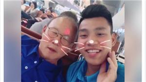 Văn Thanh dạy HLV Park Hang Seo nói tiếng Việt 'siêu' hài hước