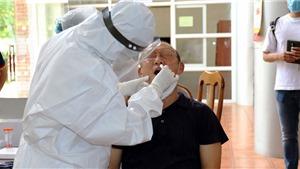 Bóng đá Việt Nam: Bác sỹ bệnh viện Bạch Mai xét nghiệm COVID-19 cho U22 Việt Nam