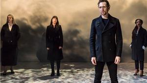Phát cuồng với hình ảnh 'sáng chói' của Tom Hiddleston khi vào vai Hamlet