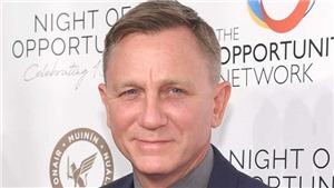 Đạo diễn lẫn biên kịch phủi tay, Dainiel Craig nhận vai mới, tương lai 007 mù mịt