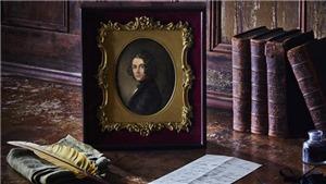 Tìm thấy chân dung vẽ Charles Dicken kèm hộp nữ trang, có giá lên tới hơn 5 tỷ đồng