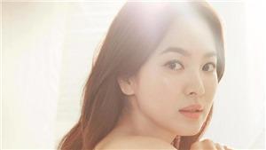 Song Hye Kyo ốm o, giấu vẻ mỏi mệt trong lần xuất hiện đầu tiên sau ly hôn