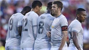 'Mặc áo thế cầu thủ Man United có nhìn thấy nhau đâu mà đá'