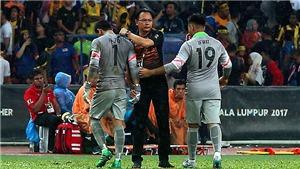 Sai lầm như Phí Minh Long, thủ môn U22 Malaysia được ví với... Bàn tay của Chúa