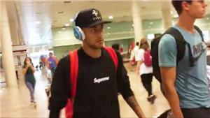 Neymar đi cửa sau, giữ im lặng tuyệt đối khi trở lại Barcelona