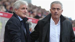 Bị lăng mạ, Mourinho không thèm bắt tay đồng nghiệp sau trận M.U hoà Stoke