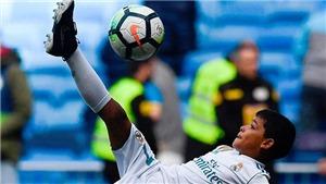 Con trai Ronaldo trình diễn kỹ thuật 'xe đạp chổng ngược' không thua gì bố