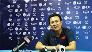 HLV Nguyễn Quốc Tuấn: 'Đó là đánh nhau, không phải bóng đá. Tôi rất buồn vì trọng tài'