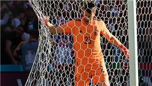 Mắc sai lầm cực nghiệp dư, thủ môn Tây Ban Nha bị... đổi quốc tịch, trở thành trò cười trên mạng xã hội