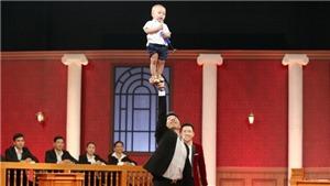 Tập 4 'Phiên tòa tình yêu': 'Hoàng tử xiếc' Quốc Nghiệp thắng kiện nhờ con trai 16 tháng tuổi