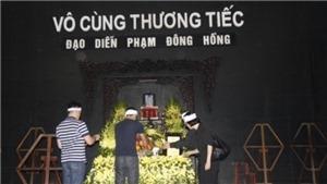 Nghệ sĩ tiễn đưa 'trùm hài đất Bắc' Phạm Đông Hồng về nơi an nghỉ