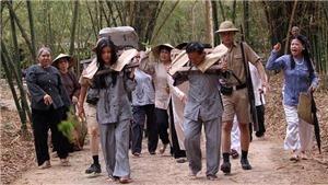 Tiếng sét trong mưa: Cao Thái Hà tiết lộ cảnh đeo gông, bị ném trứng vào đầu