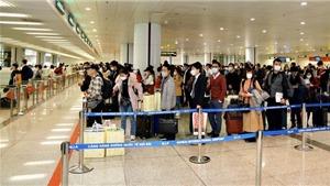 Dịch COVID-19: Ngày 22/3, dự kiến có hơn 2.100 khách Việt về từ vùng dịch nhập cảnh sân bay Nội Bài