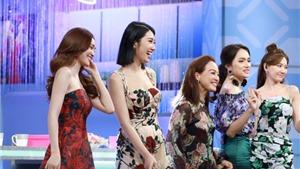 NSND Lê Khanh cùng Hari Won, Lan Ngọc, Thúy Ngân, Hương Giang bàn về 'Chị em chúng mình'