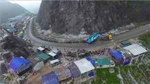 Khẩn trương khắc phục hậu quả vụ tai nạn lật xe khách nghiêm trọng tại Hòa Bình