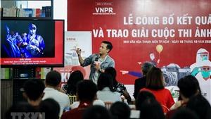 Phóng viên ảnh Lưu Trọng Đạt: Kiên cường chống dịch bằng… nhiếp ảnh