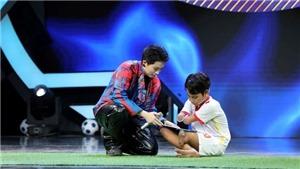 Trấn Thành, Hari Won, Gil Lê rơi nước mắt vì 'siêu nhí một chân'