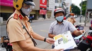 Cảnh sát giao thông bắt đối tượng sử dụng giấy tờ Quân đội giả để qua chốt kiểm soát