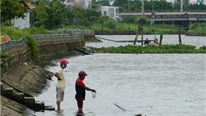 Xử lý đối tượng đi câu cá trong khi giãn cách xã hội còn đánh người gây thương tích