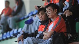 Cựu HLV U23 Việt Nam tới xem HLV Park Hang Seo huấn luyện