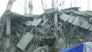 Trường mầm non Vườn Xanh đổ sập trong đêm: may mắn chưa đi vào hoạt động!