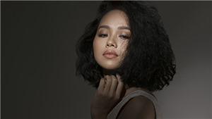 Ra mắt CD 'Sóng hấp dẫn', Hoàng Quyên tuyên bố: 'Bài hit không có nghĩa là bài hát hay'