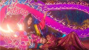 MV 'Kẻ cắp gặp bà già' của Hoàng Thuỳ Linh: Âm nhạc và thời trang cùng hoà quyện