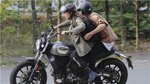 Minh Hằng lái xe đánh đấm cực chất trong web-drama 'Kẻ săn tin'