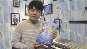 Fan của nhạc sĩ Nguyễn Văn Chung mua sách và ủng hộ Quỹ Giải thưởng Dế Mèn