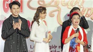 MC Vũ Mạnh Cường xúc động khi NSND Kim Cương nhận 1 tỷ đồng tại giải Mai Vàng