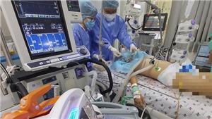 Bệnh nhân Covid-19 nguy kịch xuất viện sau 34 ngày hồi sức tích cực