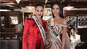 Hoàng Thuỳ tự tin khoe sắc với Miss Universe Catriona Gray
