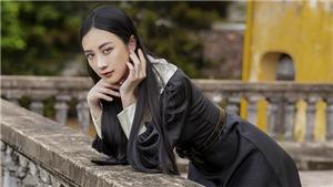 Jun Vũ diện 8 bộ váy cho vai phụ không lời thoại ở 'Gái già lắm chiêu V'