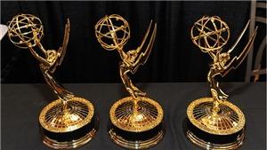 MC trao nhầm vương miện Steve Harvey 'ẵm' loạt giải Daytime Emmy