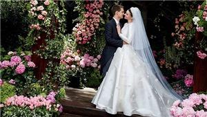 VIDEO: Miranda Kerr lộng lẫy mặc váy cưới trong hôn lễ với tỷ phú Snapchat