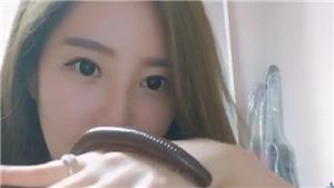 Người mẫu Hàn Quốc bỗng nổi như cồn nhờ sở thích nuôi rắn, rết...