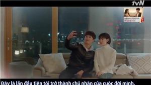 Phản ứng của Song Hye Kyo khi Park Bo Gum đòi 'chia' chiếc kẹo trong miệng