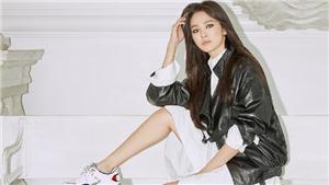 Fan tranh cãi Song Hye Kyo đẹp hay xấu với kiểu trang điểm mắt mèo ấn tượng