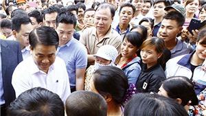Chủ tịch Nguyễn Đức Chung tại xã Đồng Tâm: Sau đối thoại là những nụ cười
