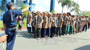 Tàu Cảnh sát biển đưa 695 ngư dân từ Indonesia trở về