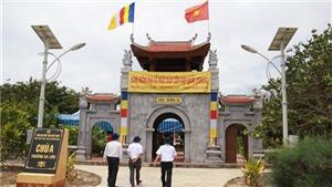 Rưng rưng bên ban thờ Đại tướng Võ Nguyên Giáp ở chùa Trường Sa