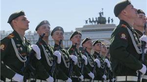 Hàng vạn binh sĩ Nga cùng vũ khí tối tân Tổng duyệt diễu binh kỷ niệm ngày Chiến thắng