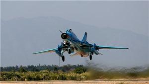 CẬP NHẬT vụ máy bay quân sự rơi ở Nghệ An: Lễ truy điệu, truy thăng quân hàm đối với hai phi công hy sinh