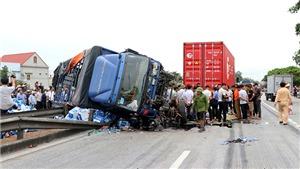 CẬP NHẬT: Tai nạn thảm khốc trên quốc lộ 5 làm 6 người chết, 2 người bị thương