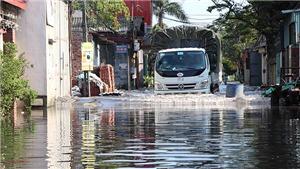 Dự báo thời tiết: Áp thấp nhiệt đới trên Biển Đông, miền Bắc ngày nắng, đêm mưa