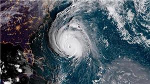 Bão số 6 mạnh giật cấp 15 gây mưa bão ở khu vực giữa Biển Đông