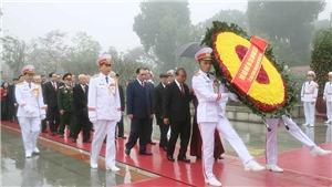 Kỷ niệm 90 năm Ngày thành lập Đảng: Lãnh đạo Đảng, Nhà nước vào Lăng viếng Chủ tịch Hồ Chí Minh