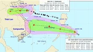 Áp thấp nhiệt đới mạnh lên thành bão số 8 đổ bộ ngay sau bão số 7