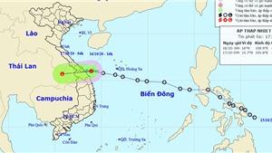 Áp thấp nhiệt đới đi vào đất liền các tỉnh Trung Trung Bộ